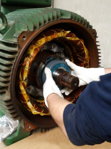 Maintenance on centrifugal fan