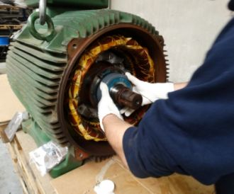 Maintenance on centrifugal fan